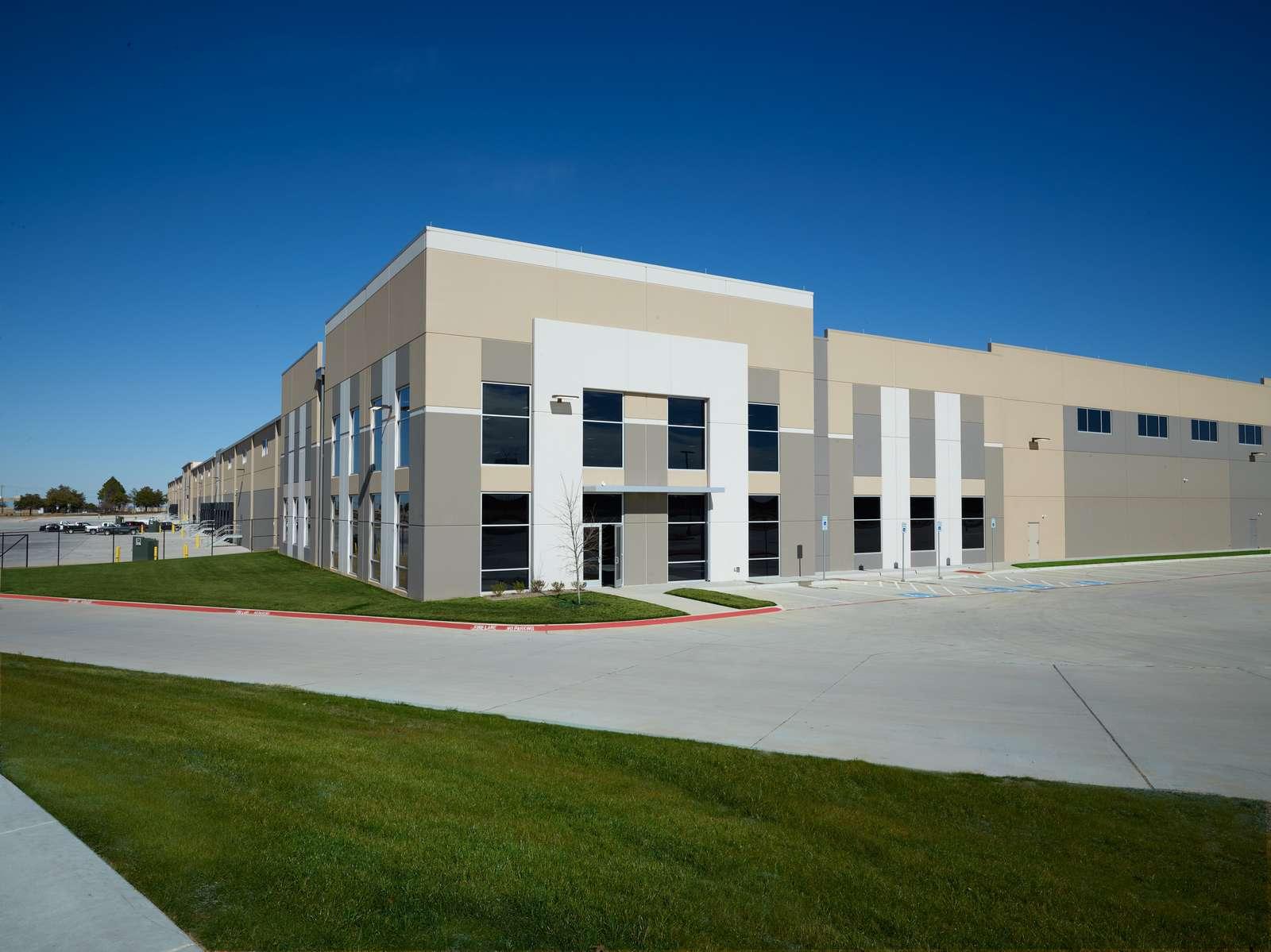 Main banner image for General Motors' Arlington Automotive Logistics Center